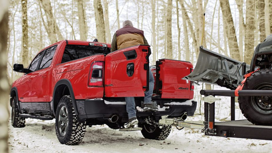 2019 Ram 1500 Multifunction Tailgate with Mopar Bed Step