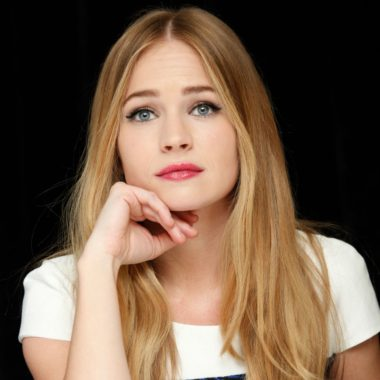 Britt Robertson Biography | Know more about her Personal Life, Married, Husband, Dylan O'brien, Net Worth, Age, Movies, Under the Dome, Height, Ethnic, Gif