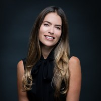 Know all about Laura Wasser and her personal life including facts about her Book, Attorney, Career, Net Worth, Children, Divorce.