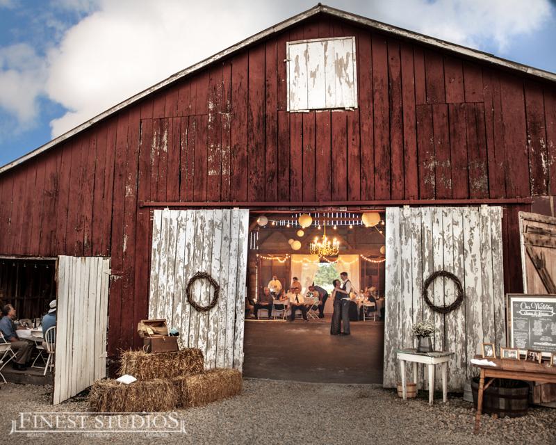 Missouri Barn Wedding Venue