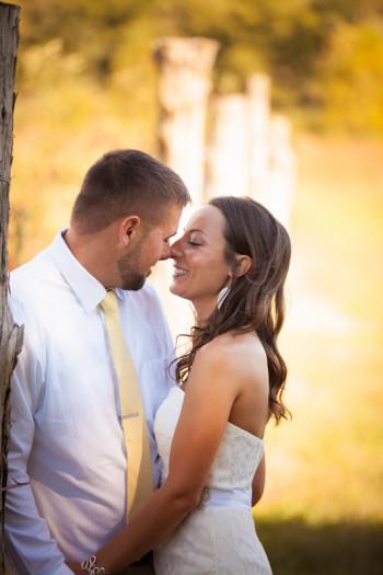 bride groom rustic wedding