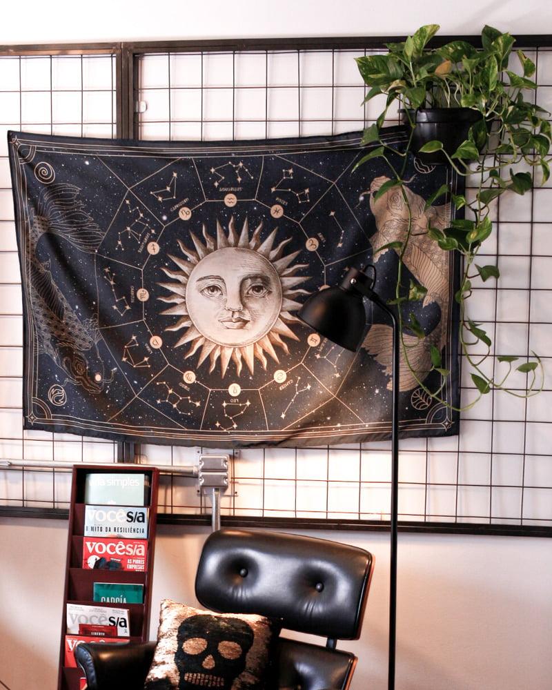 Bandeira na decoração com tema astrologia