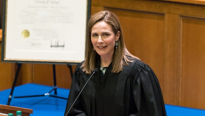 Amy Coney Barret remplace Ruth Bader Ginsburg à la Cour suprême