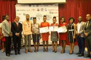 Trois jeunes filles remportent la 1ère édition du Prix Catherine Flon
