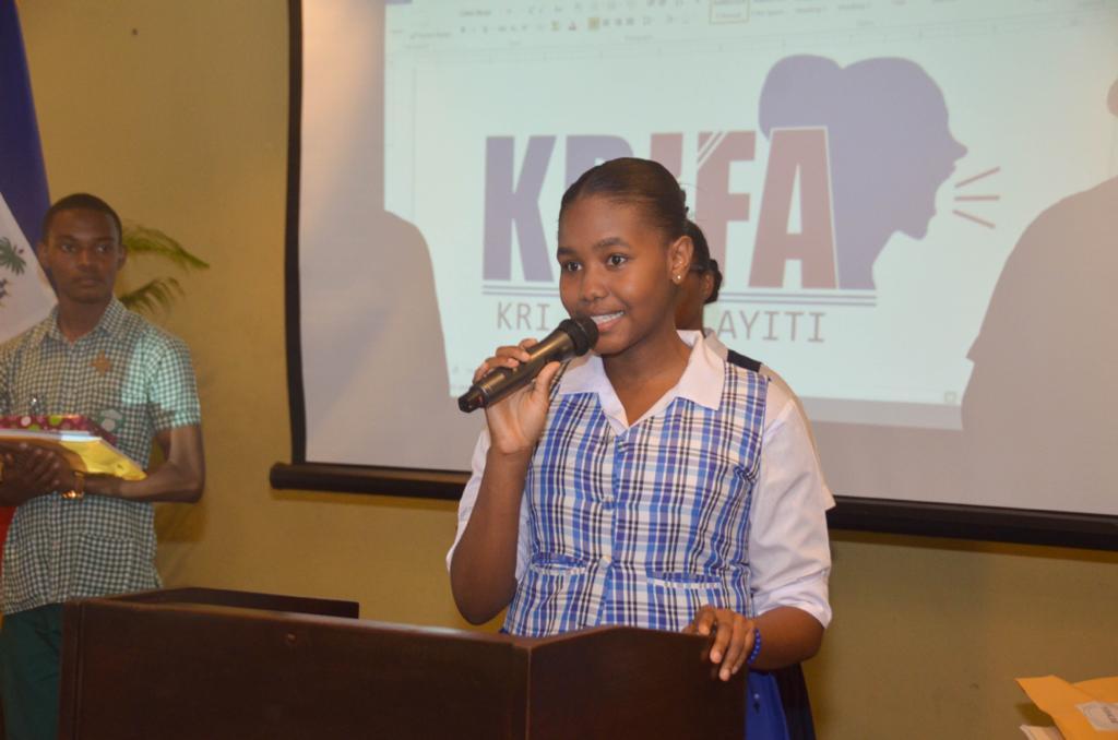 Ashley Alfred gagne la première édition du concours national de plaidoirie interscolaire des droits des femmes