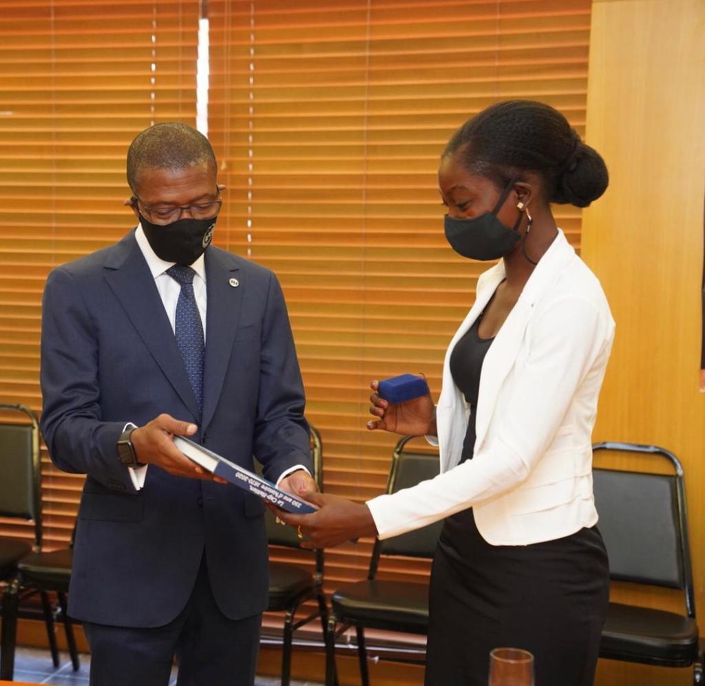 La Banque de la République d'Haïti honore Rose-Lumane Saint-Jean