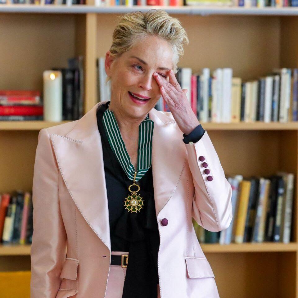 Cannes 2021 : Sharon Stone est nommée Commandeur de l'Ordre des Arts et des Lettres