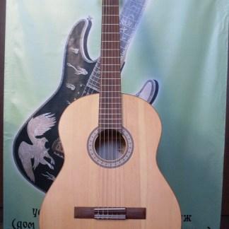 Дофф C Классическая гитара из массива кедра и клёна