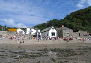 The Rashleigh Inn, dog friendly pub at Polkerris beach, Cornwall