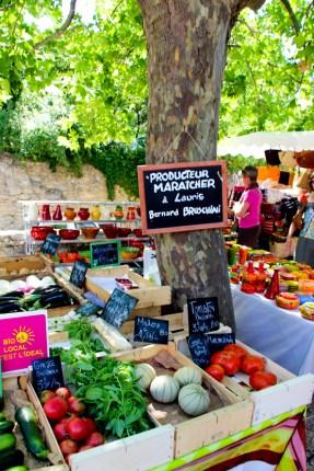 Mercado de Lourmarin.