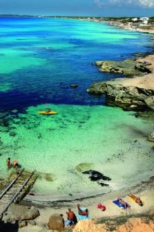 Copyright: Matías Costa for The New York Times. Ibiza, Spain: A beach on craggy, pristine Formentera. TASCHEN.