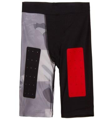 Pantalón corto de compresión REEBOK, 60 €.