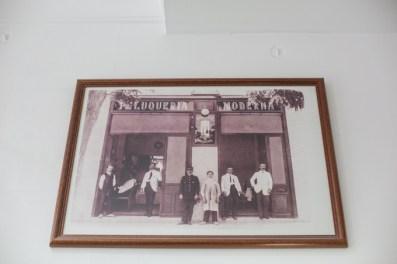 Foto histórica de la Peluquería Moderna.