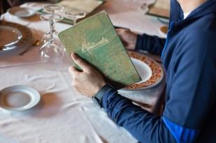 A punto de descubrir la carta del restaurante Avellaneda.