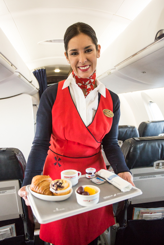 Servicio a bordo en la cabina de Business de IBERIA REGIONAL AIR NOSTRUM.