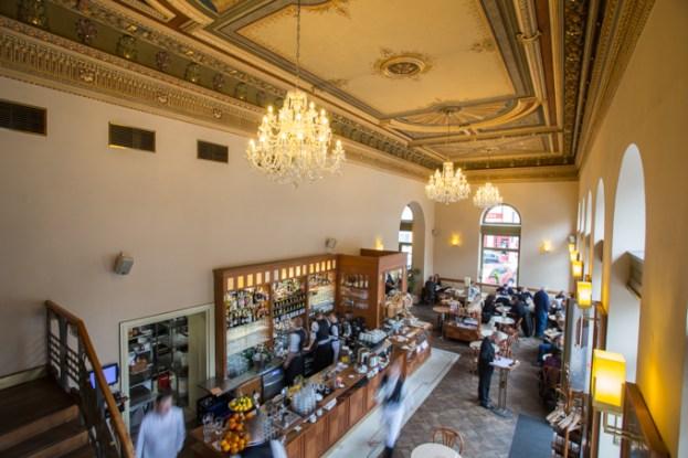 Salón del Café Savoy.