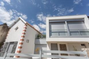 Un anexo contemporáneo, conjuga a la perfección con la villa antigua.