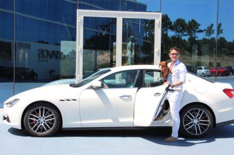 Llegando con Eros en el Maserati Ghibli, cortesía del hotel.