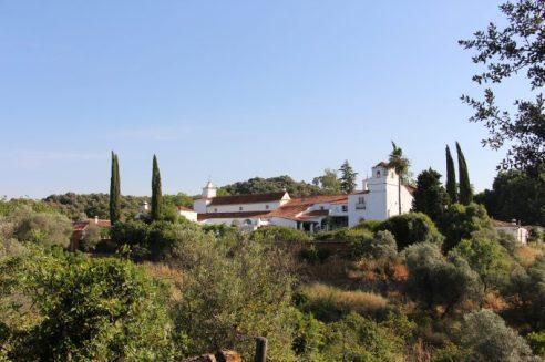 Vistas de la casa desde la finca.