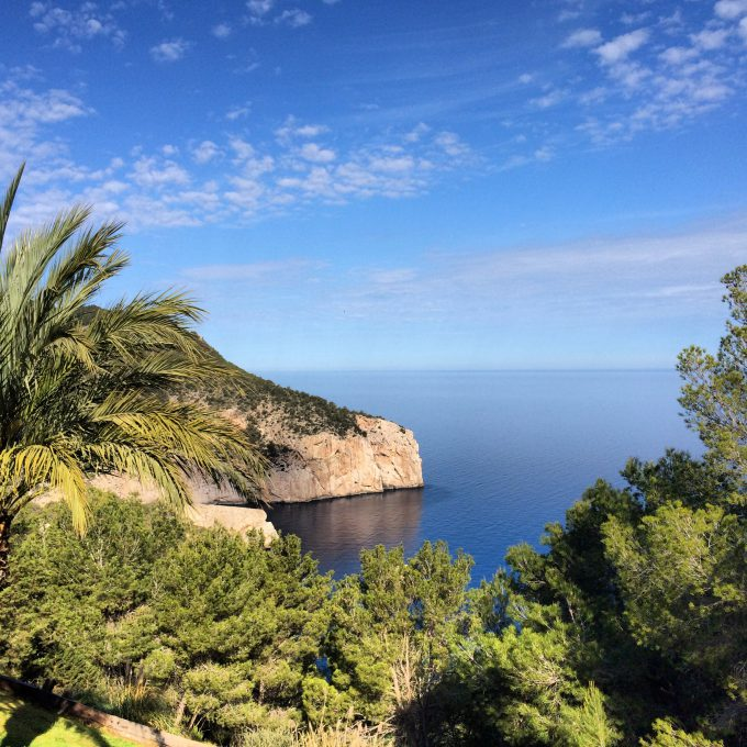 Vistas desde la casa de Ibiza en la costa noroeste de la isla.
