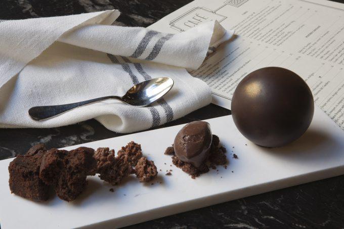 Esfera de chocolate.