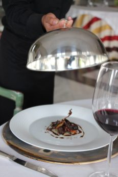 La cocina del chef José Carlos Fuentes ofrece una experiencia inolvidable.
