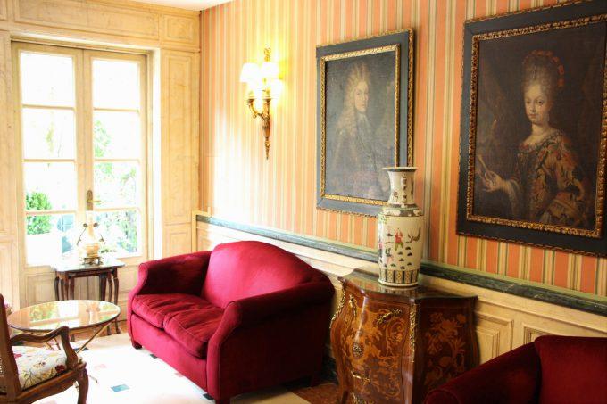 Salón donde cité a los creadores de la firma.