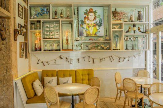 Lo nuevo en cocina fusión, fuera de lo común, y está en el barrio de Malasaña. Ofrece 2 cenas para 2. DONATIVO: 160 € (4 menús de 40 € c/u).