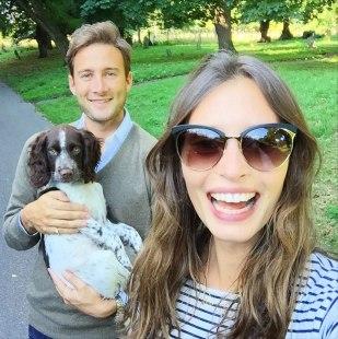 Ella Woodward con Matthew Mills, su marido, y Austin.