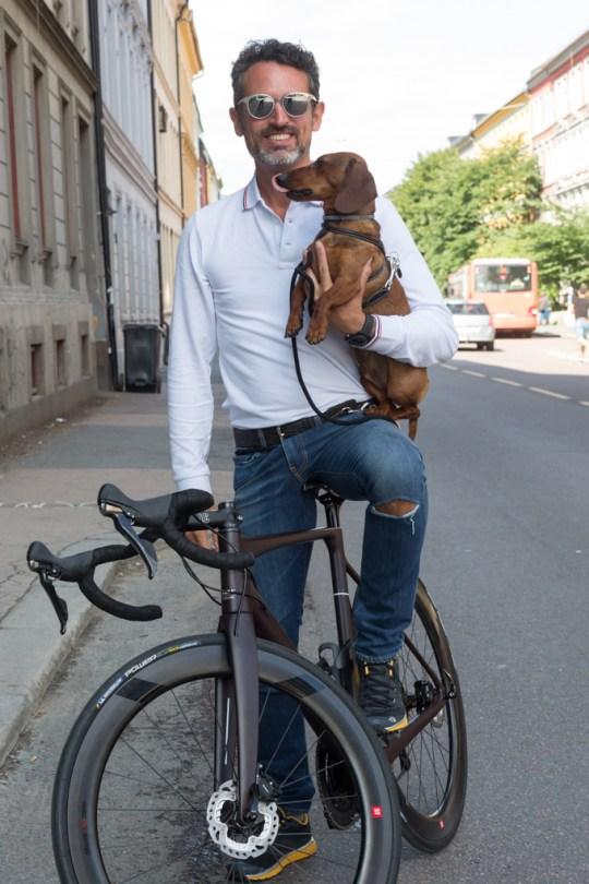 Montados en la bicicleta de FARA.