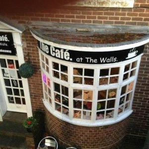 The Cafe at the walls