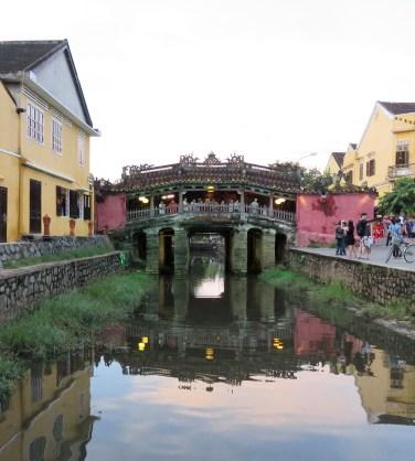 japanese-covered-bridge-9