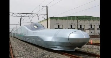 Le Japon, Teste Le Train De Balle Le ,plus Rapide Du ,monde