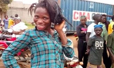 Ouganda, Un Homme Se Déguisant En Femme ,pour Obtenir Du Travail ,arrêté Après, 3 Ans