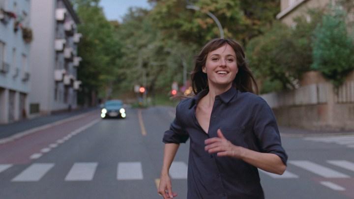 Julie (en 12 chapitres) – Un souffle de liberté récompensé à Cannes