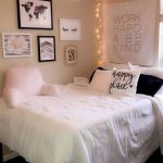 22 Best DIY Crafts for Bedroom Walls (14)