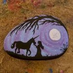25 Fantastic DIY Painted Rocks Animals Horse for Summer Ideas (27)