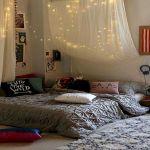 30 Beautiful DIY Bedroom Fairy Lights (16)