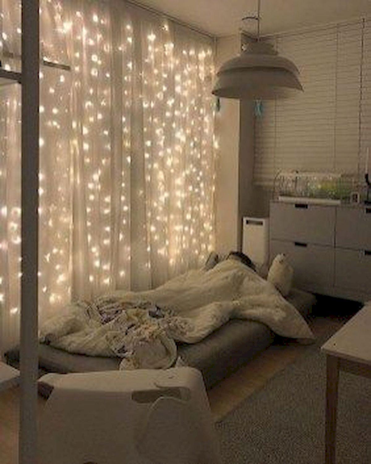 30 Beautiful DIY Bedroom Fairy Lights (18)