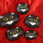 50 Best DIY Painted Rocks Animals Cats for Summer Ideas (47)