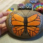 55 Cute DIY Painted Rocks Animals Butterfly Ideas (18)