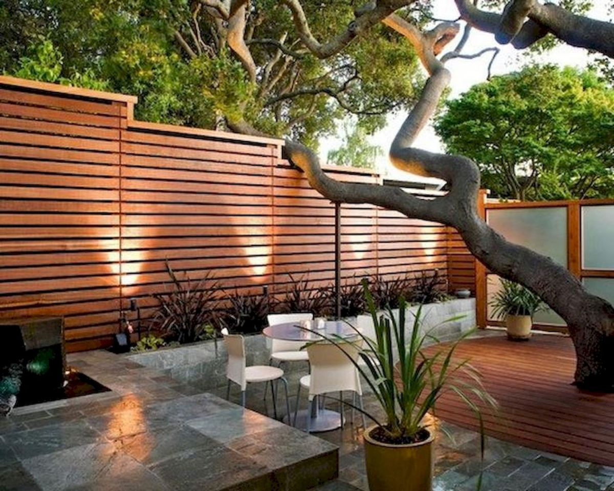 60 Awesome DIY Backyard Privacy Design and Decor Ideas (3)