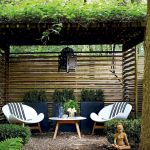 60 Awesome DIY Backyard Privacy Design And Decor Ideas (7)