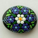 60+ Beautiful DIY Painted Rocks Flowers Ideas (10)