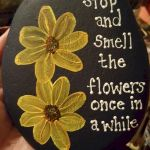 60+ Beautiful DIY Painted Rocks Flowers Ideas (15)
