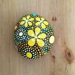 60+ Beautiful DIY Painted Rocks Flowers Ideas (59)
