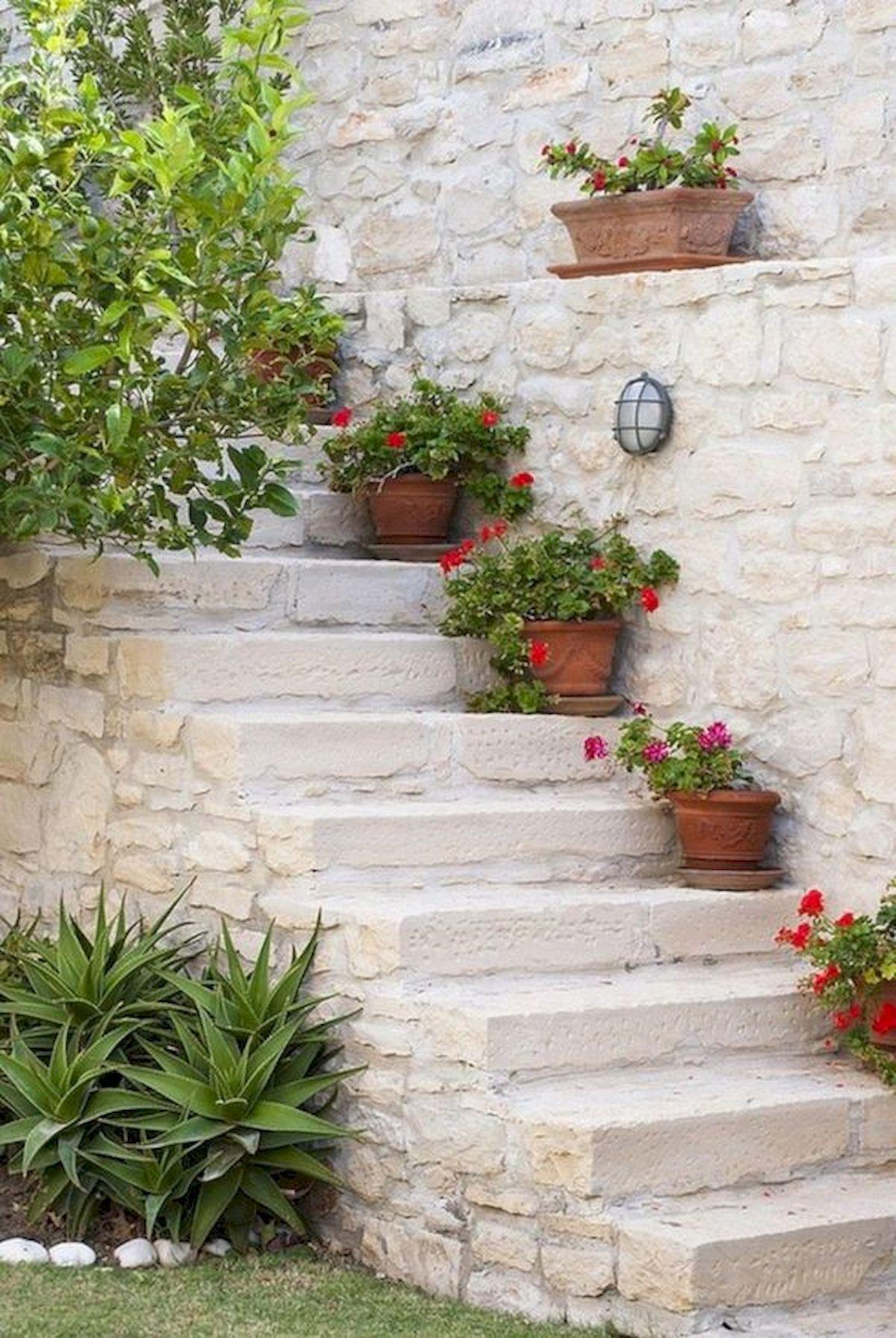 50 Awesome DIY Hanging Plants Ideas For Modern Backyard Garden (26)