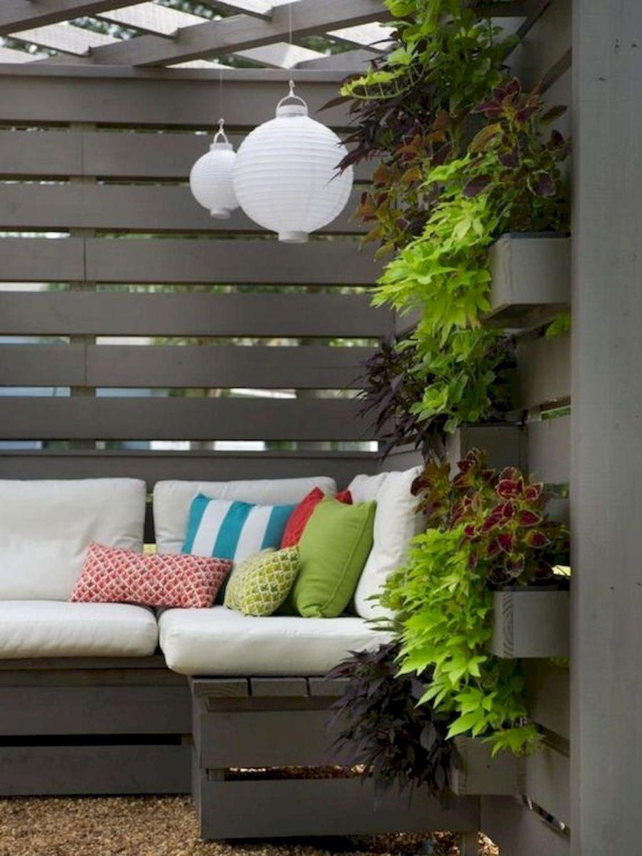 50 Awesome DIY Hanging Plants Ideas For Modern Backyard Garden (32)