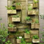 44 Creative DIY Vertical Garden Ideas To Make Your Home Beautiful (41)