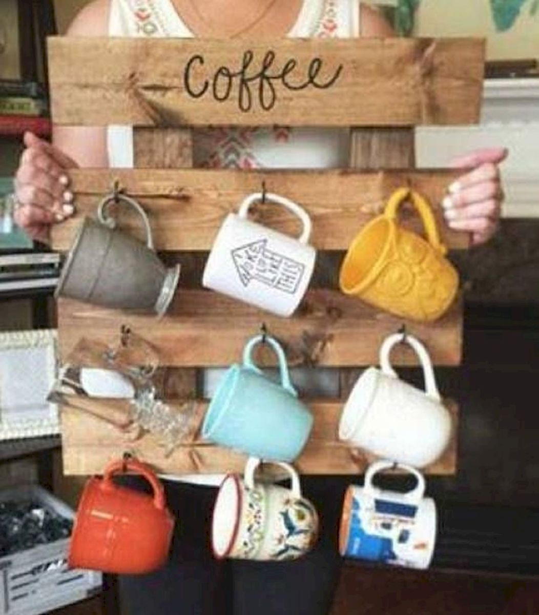 35 Easy DIY Wooden Pallet Mug Rack Ideas Everyone Can Do This (4)